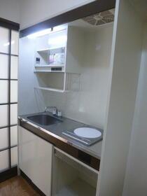 六友館 102号室のキッチン
