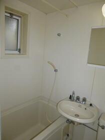 六友館 102号室の風呂