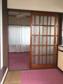 オクトハウス 101号室の玄関
