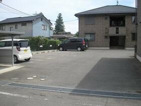 ステイブル A 102号室の駐車場