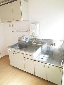 ハイム青山 202号室のキッチン