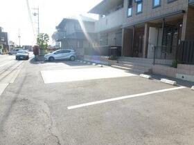 Maison de HAN'YUU 101号室の駐車場