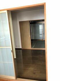 シティハイム ササヤマD 202号室のリビング