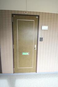 ミキビル 208号室の玄関