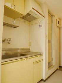 金沢八景相川ビル 402号室のキッチン
