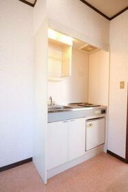 ヴィレッジ貝塚 205号室のキッチン