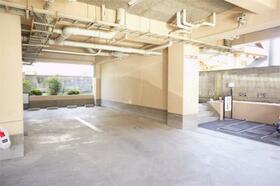 ダイアパレス高崎中央 508号室の駐車場
