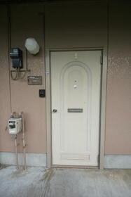 トップフラッツD棟 102号室の玄関