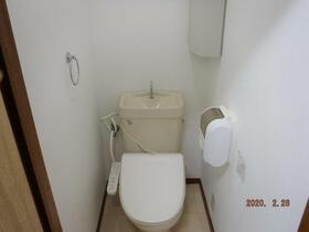 第6アオイビル 205号室のトイレ