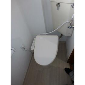 諏訪パークハウス 旧板垣サンハイツ 301号室のトイレ