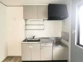 メゾン・メルヴェーユ B 201号室のキッチン