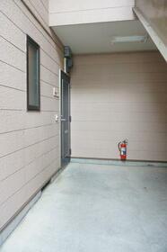 GLハイツ 101号室の玄関
