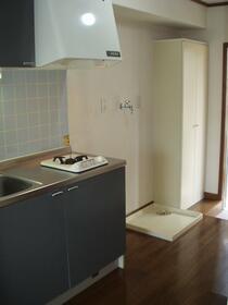 ロイヤル光輝 207号室のキッチン