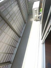 サンジョルディ フロール 205号室のバルコニー
