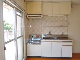 ローレルマンション斉木B 201号室のキッチン