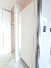 ブランシェ 201号室の玄関