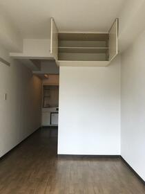 エミグラント多摩川 109号室の収納