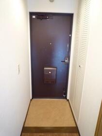レジデンス 山手台 202号室の玄関