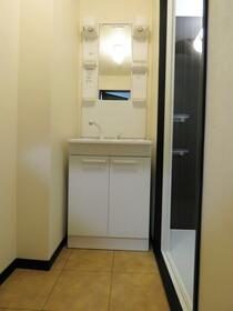 ユーミータウン 302号室の洗面所