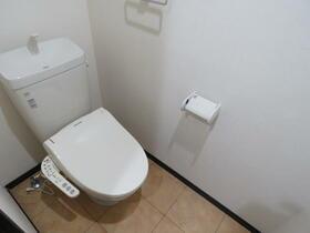 ユーミータウン 302号室のトイレ
