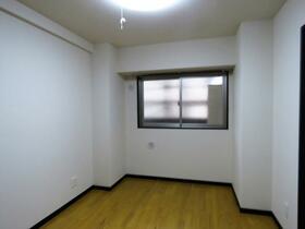 ユーミータウン 302号室の居室
