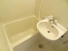 スプリーム横浜 206号室の風呂