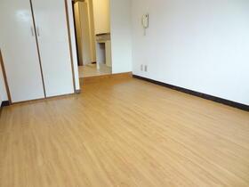 スプリーム横浜 206号室のベッドルーム
