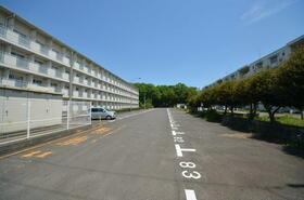 ビレッジハウス雨ヶ谷2号棟 0405号室の駐車場
