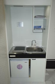 ヒルズ山手Ⅳ 201号室のキッチン