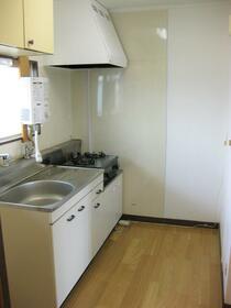 北村ハイツ 104号室のキッチン