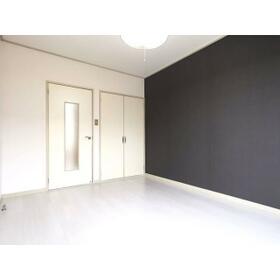 プランドール西川田 旧カーサー西川田 201号室の居室
