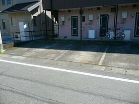 さくらハイツ 206号室の駐車場