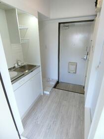 リベラルハイツ 301号室のキッチン