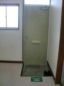 フォレストヴィラ 207号室の玄関
