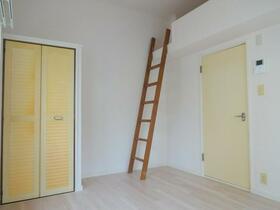 ジョイフルオークラ30 101号室のベッドルーム