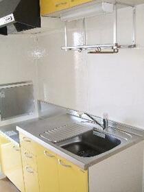 T・H 壱番館 205号室のキッチン