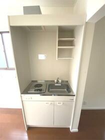 ベイハウス山手 202号室のキッチン