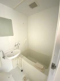 ベイハウス山手 202号室の風呂