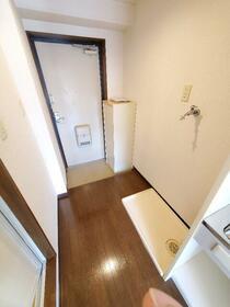 東長沼2号ビル 201号室の玄関