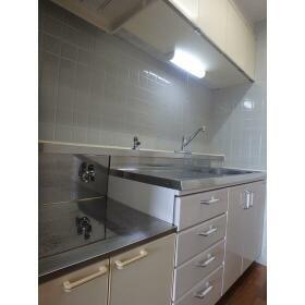 グリーンヒル弥生台 705号室のキッチン