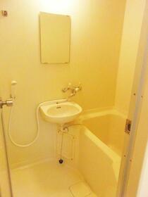 ヘスティア・ベッセル 301号室の風呂