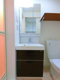 ハーミットクラブハウス大船IIIC棟(仮) 302号室の洗面所