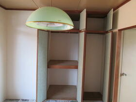 ハウス清水 205号室の収納