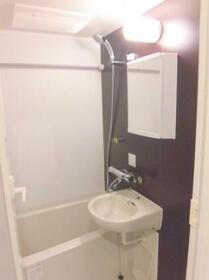 MAXIV関内 501号室の風呂