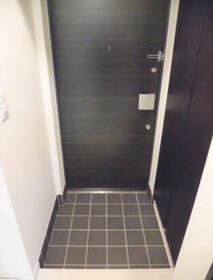 MAXIV関内 501号室の玄関