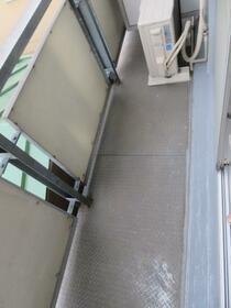 旭横浜ビル 304号室のバルコニー