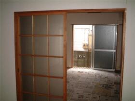 戸沢アパート 102号室のリビング
