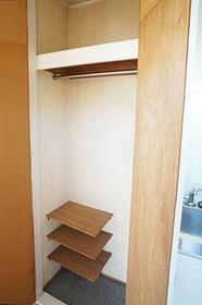 ユエヴィ江古田PartⅠ 201号室の収納