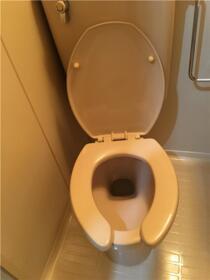ヒルトップ内村 103号室のトイレ