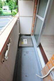 メゾン・ド・アドミレ 0203号室のバルコニー